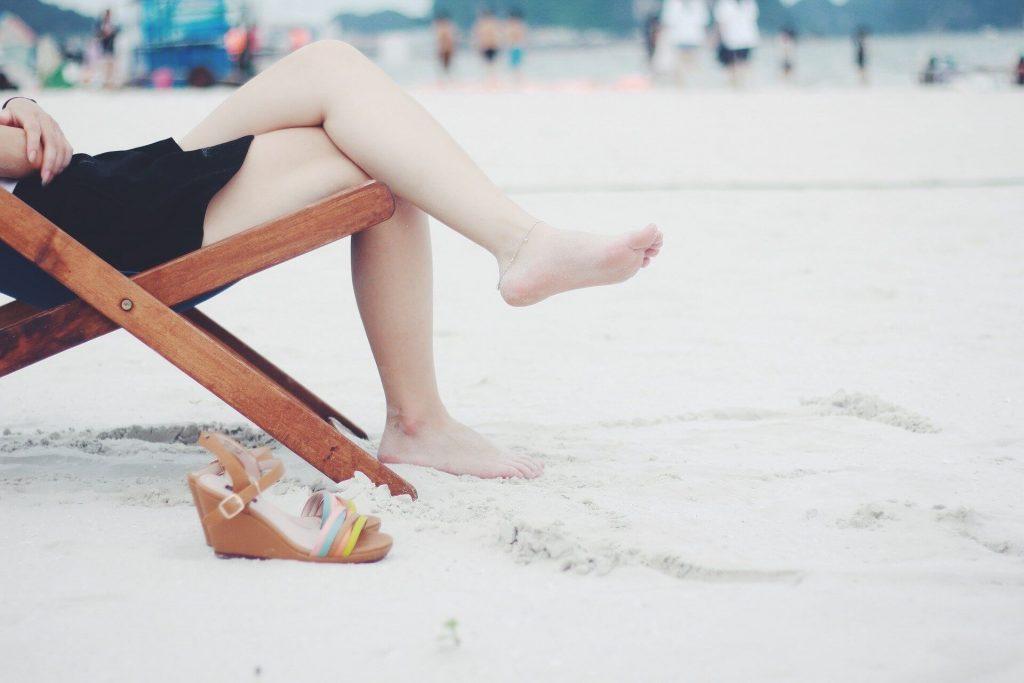 Cum sa asortezi usor o pereche de incaltaminte pentru plaja