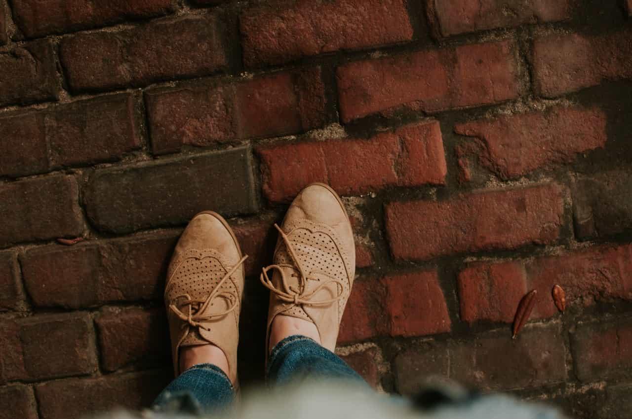 Iti recomandam o pereche de balerini sau pantofi casula pentru zilele calduroase de toamna