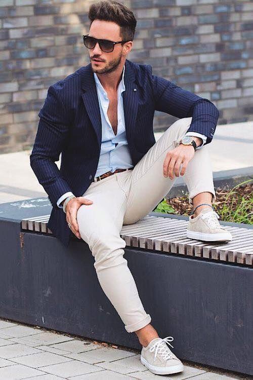 Un outfit smart casual pentru un barbat este orice este mai elegant decat un trening, dar mai putin formal decat un costum. Daca iti doresti un astfel de look, alegerile tale nu trebuie sa fie limitate de un set de reguli