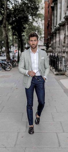 Pe Lavis.ro poti gasi incaltaminte din piele naturala business casual pentru barbati cat si pentru femei