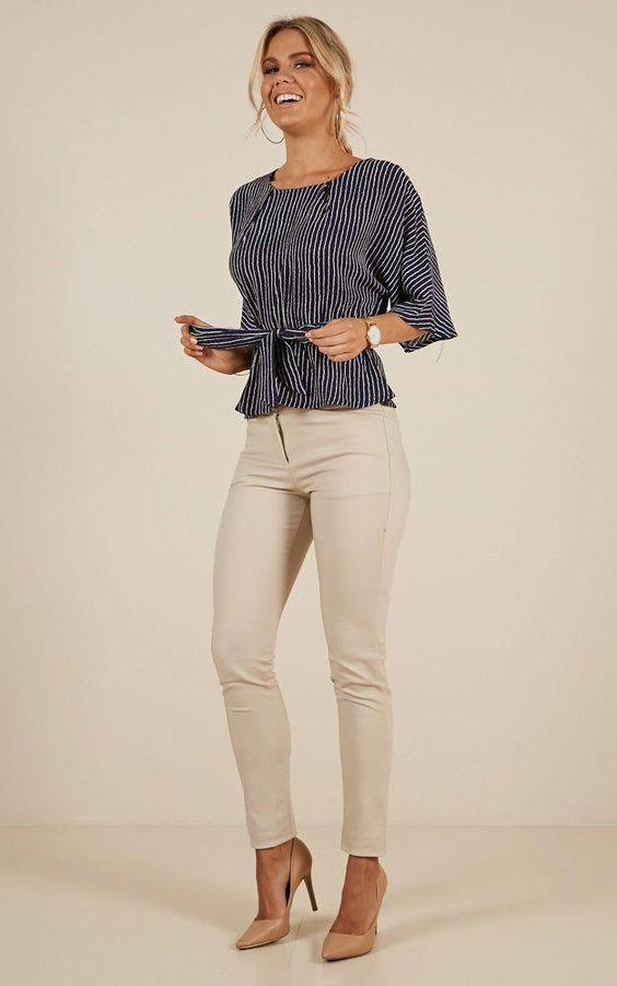 Vestimentatia business casual pentru femei poate varia in functie de loc, profesie, birou sau anotimp.