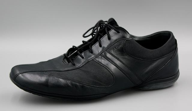 Pe Lavis.ro poti pantofi casual din piele naturala de barbati ce pot fi asortati stilului tau smart casual