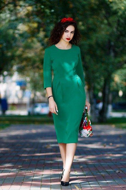 Pe Lavis.ro poti gasi incaltaminte din piele naturala de dama ce poate fi asortata stilului tau smart casual