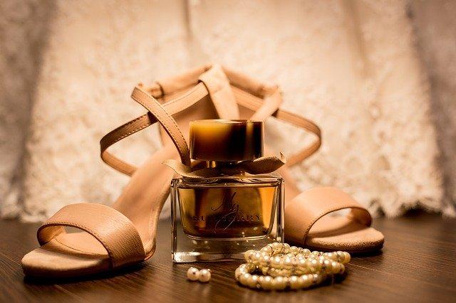 Pe Lavis.ro poti gasi plicuri din piele naturala de dama ce poate fi asortata stilului tau smart casual