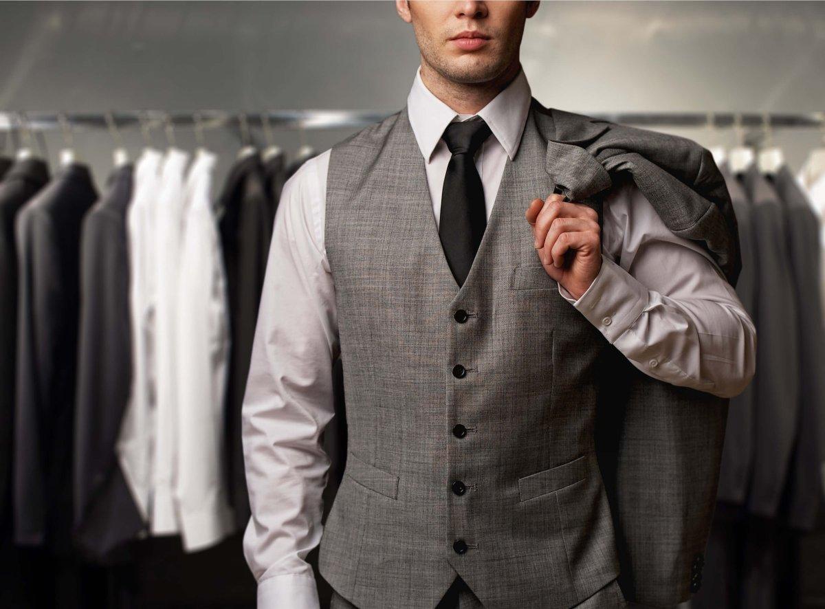 Pe Lavis.ro poti gasi pantofi din piele naturala de barbati ce pot fi asortati stilului tau masculin