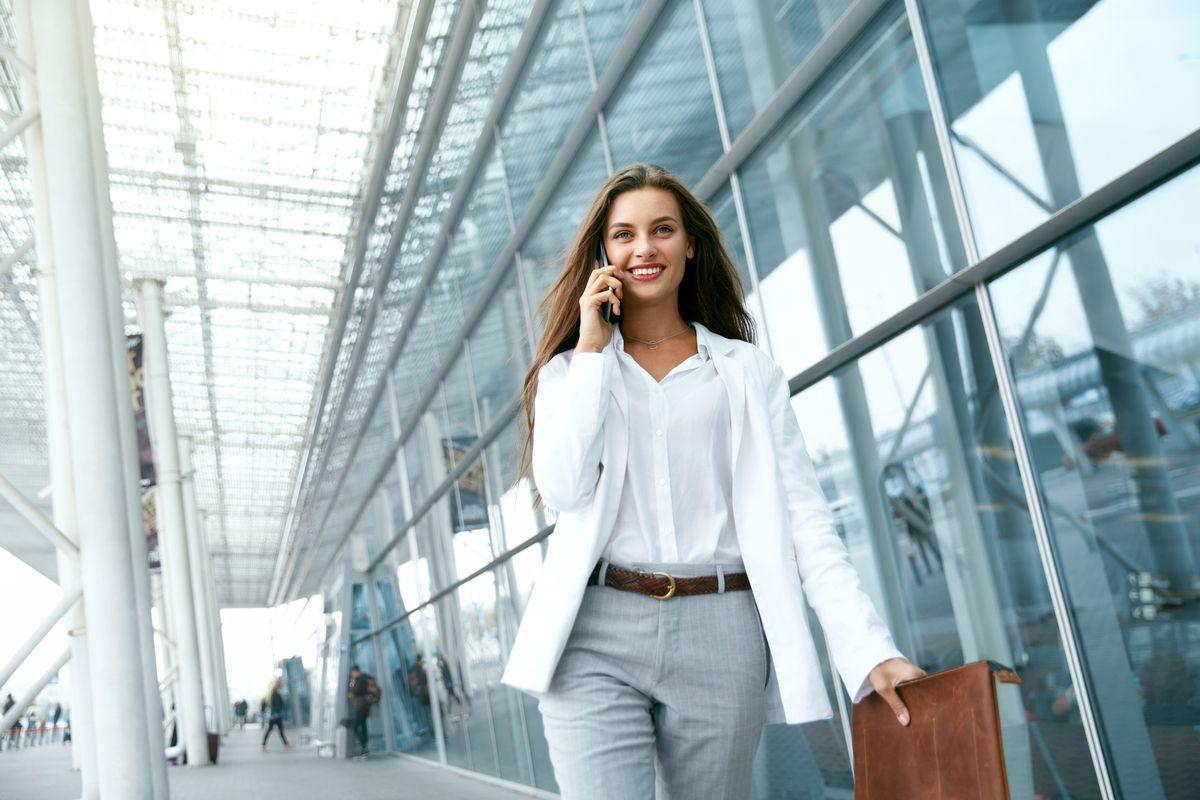 Pe Lavis.ro poti gasi incaltaminte din piele naturala de dama ce poate fi asortata stilului tau office