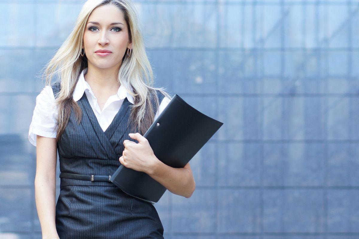 Pe Lavis.ro gasesti pantofi din piele naturala de femei ce pot fi asortate stilului tau office