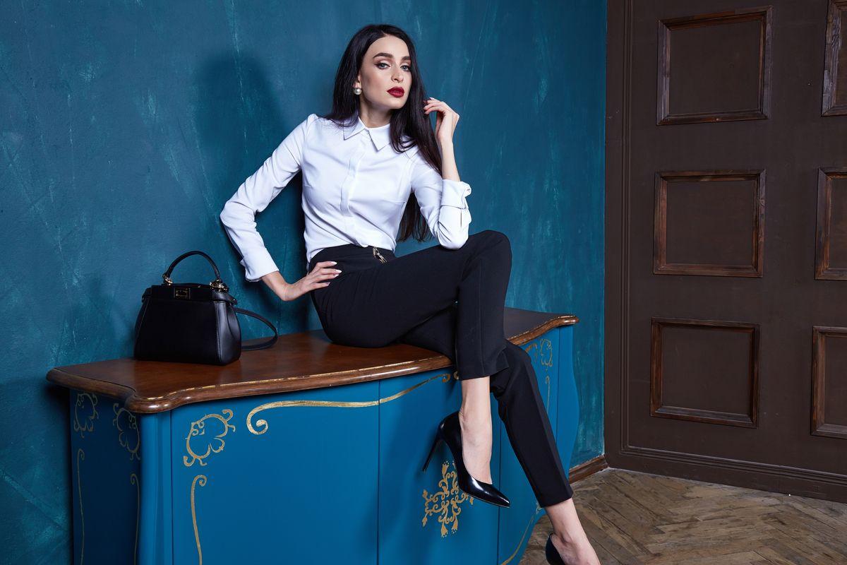 Pe Lavis.ro poti gasi pantofi din piele naturala de dama ce pot fi asortati stilului tau office
