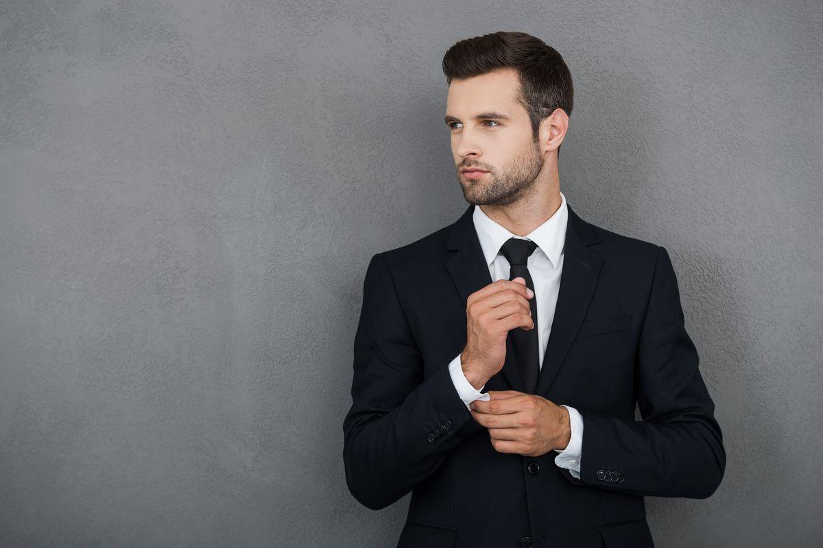 Pe Lavis.ro poti gasi pantofi din piele naturala de barbati ce pot fi asortata stilului tau office de vara