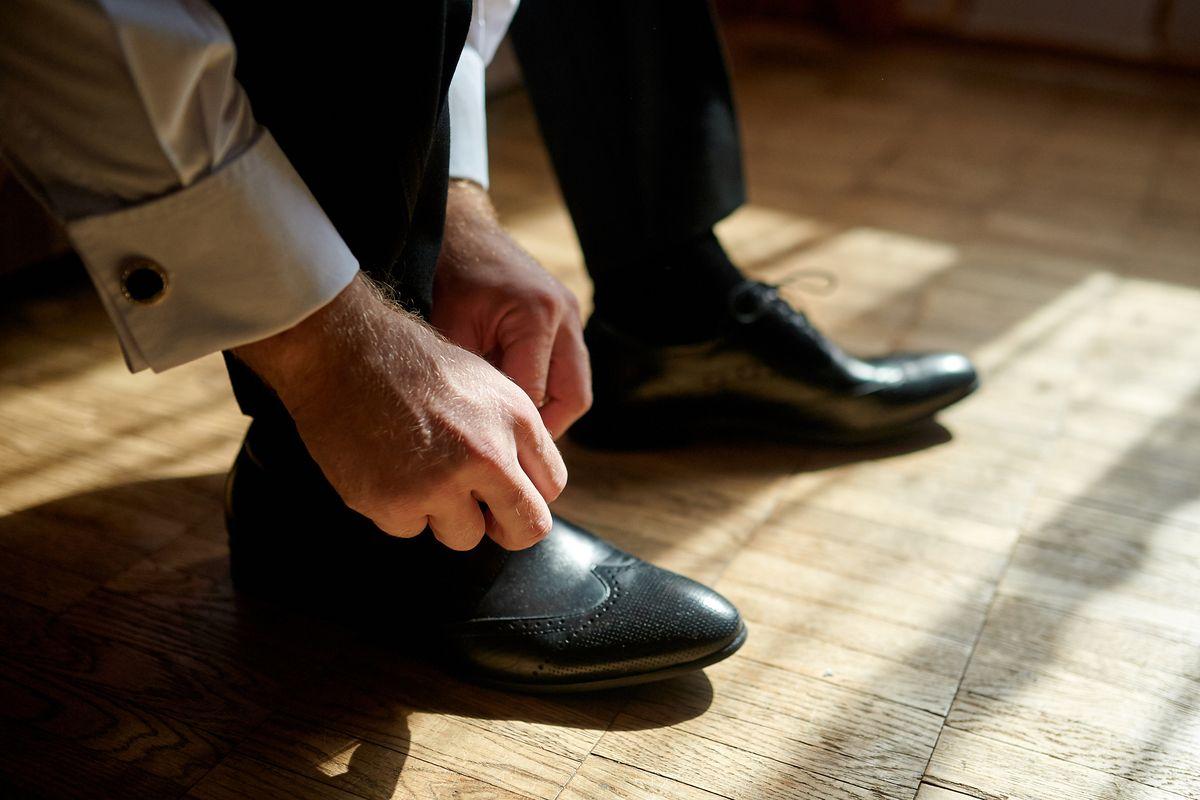 Pe Lavis.ro poti gasi pantofi din piele naturala de barbati ce pot fi asortati stilului tau office