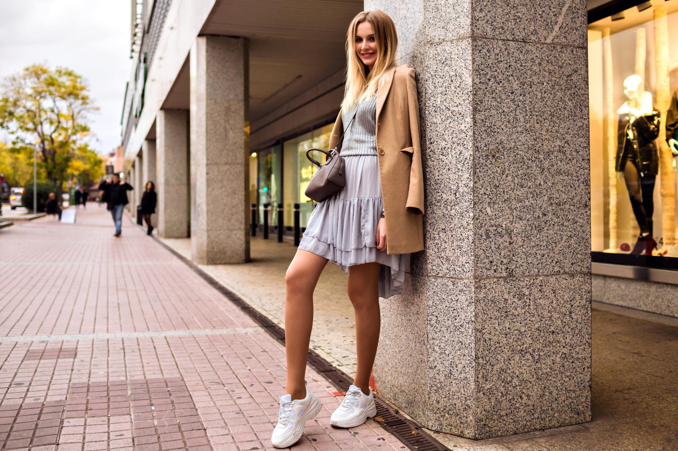 Pe Lavis.ro poti gasi pantofi casual din piele naturala de dama ce poate fi asortata stilului tau casual