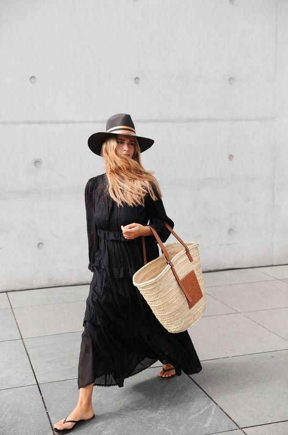 Pe Lavis.ro gasesti genti din piele de femei ce pot fi asortate stilului tau casual de vara