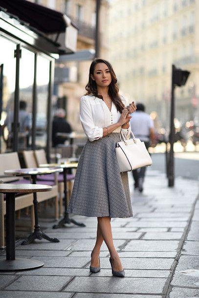 Pe Lavis.ro poti gasi genti din piele naturala de dama ce pot fi asortate stilului tau office