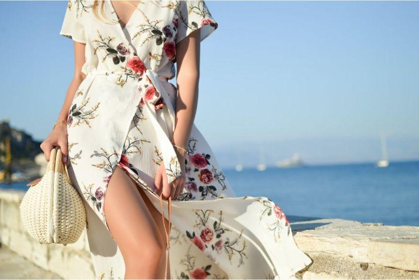 Pe Lavis.ro gasesti incaltaminte din piele naturala de barbati sau de femei ce pot fi purtate vara la mare, la plaja