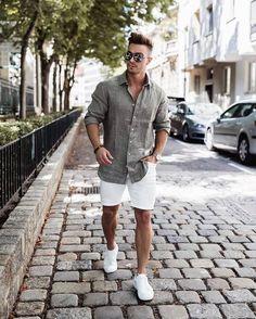 Pe Lavis.ro poti gasi incaltaminte din piele naturala de barbati ce poate fi asortata stilului tau business casual