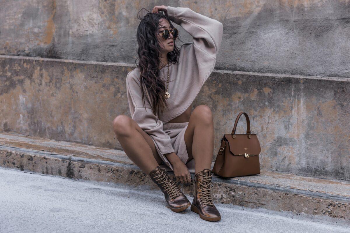 Pe Lavis.ro poti gasi incaltaminte din piele naturala de dama ce poate fi asortata stilului tau business casual